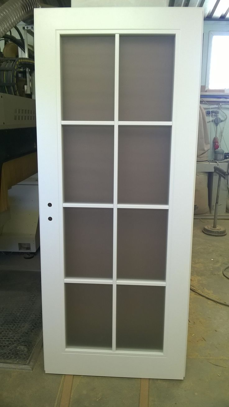 Simple  APPICTA glazed door with lacquered dividers