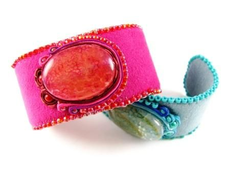 Soutache Cuff Tutorial. Perfect for my pink Italian leather slippers I bought in Florence and which I can't bear to throw out.
