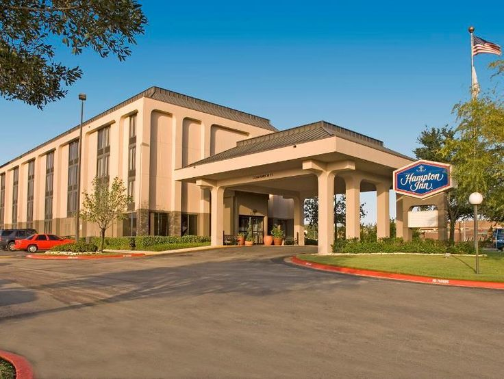 College Station (TX) Hampton Inn College Station United States, North America Stop at Hampton Inn College Station to discover the wonders of College Station (TX). Both business travelers and tourists can enjoy the hotel's facilities and services. Service-minded staff will welcome and guide you at the Hampton Inn College Station. Some of the well-appointed guestrooms feature air conditioning, heating, wake-up service, desk, alarm clock. The hotel offers various recreational opp...