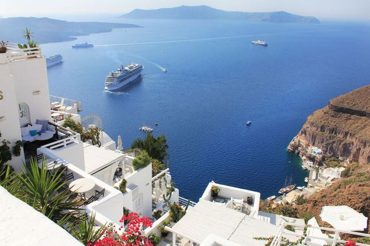 Santorini System to Regulate Cruise Ship Arrivals.