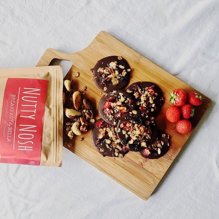 Gorgeous Dark Chocolate Bites with Breakfast By Bella's Nutty Nosh granola! Yummy creation by I Prefer Cooking on Instagram. Click here to view the full post: https://www.instagram.com/p/BWJ15-VF0F1/?taken-by=iprefercooking