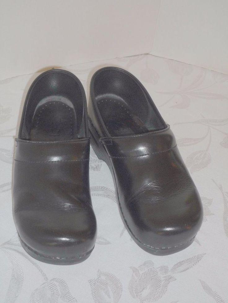 DANSKO Black Solid Leather Stapled Women's Clogs EU 40 US 9.5/10 Medium #Dansko #Clogs