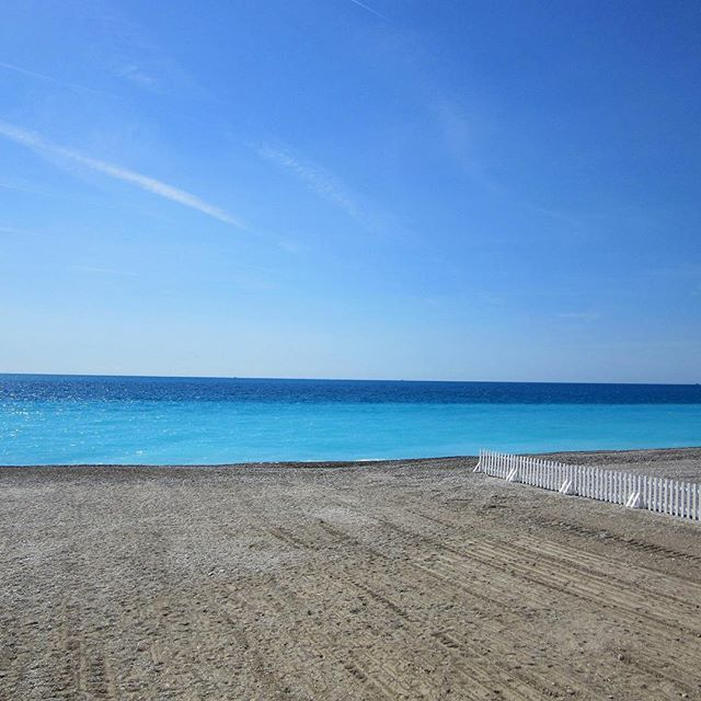 That crystal blue water in Nice will always be a favourite of mine #sobeautiful #southoffrance #visitnice #visitfrance #beach #blue #thatview #instatravel #instagood #instamemories #throwback #scenic #landscape #vibrant #colourful #explore #travel #memories #love #live #beautiful #picturesque #thisisfrance #blueskies #spring #instaholiday #melbournelifetravel #crystalblue #frenchriviera #promenadedesanglais