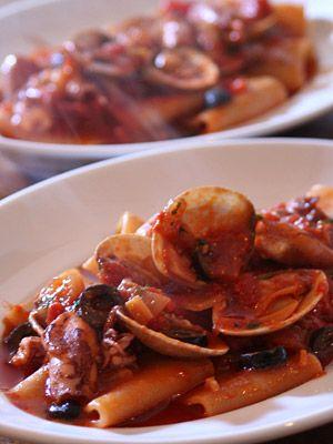 Paccheri ai Frutti di Mare con Pomodoro / Pasta