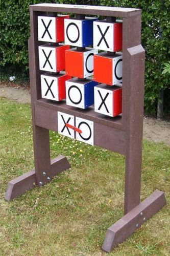 GIANT-NOUGHTS-CROSSES-OUTDOOR-GARDEN-PUB-GAME-100-RECYCLED-PLASTIC-LONG-LAST £294. My 'othello' will be called summut like Garthelo