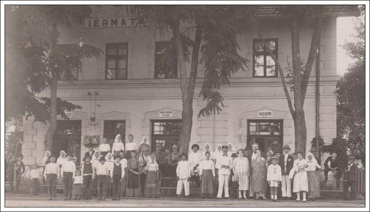 Banat IERMATA Gyarmata Railway Station Gare, group photo Kautsky si Comp. Fotograf