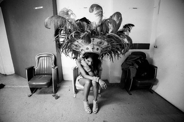 Viviana Peretti, Drag Queen María Antonia Cadavid, che rappresenta l'Italia, attende il momento di salire sul palco del Miss Gay Internacional, un concorso per drag queen organizzato dalla discoteca gay Theatron a Bogotà. María Antonia, 21 anni stilista della provincia di Medellín, vincerà il concorso.