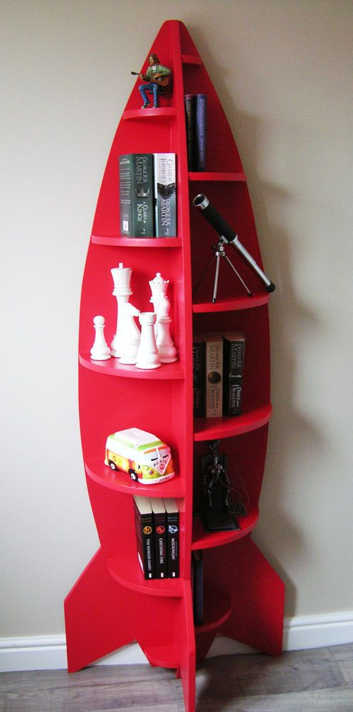 Unusual Modern 6ft Rocket Shaped Childrens Bookcase / Shelving Unit / Novelty