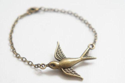 love this bird design