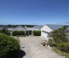 3 Bedroom House for sale in Brackenridge - Plettenberg Bay