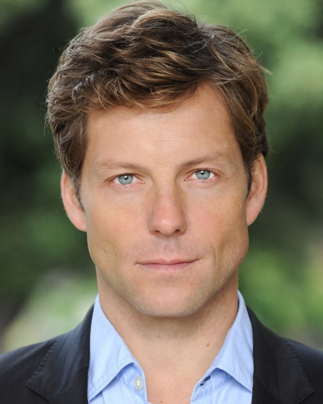"""Jamie Bamber is known most widely for his roles as Lee Adama on """"Battlestar Galactica"""" and Detective Sergeant Matt Devlin on """"Law  Order: UK."""""""