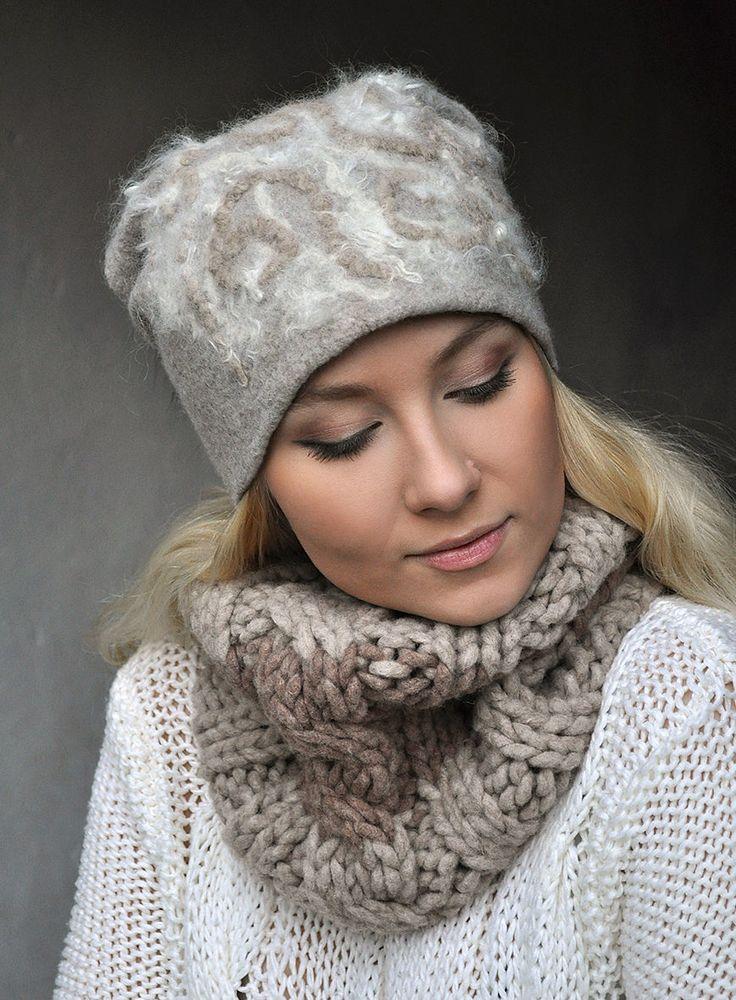 """Купить Шапочка валяная и вязаный шарф-снуд """"Зимнее утро"""" в интернет магазине на Ярмарке Мастеров"""