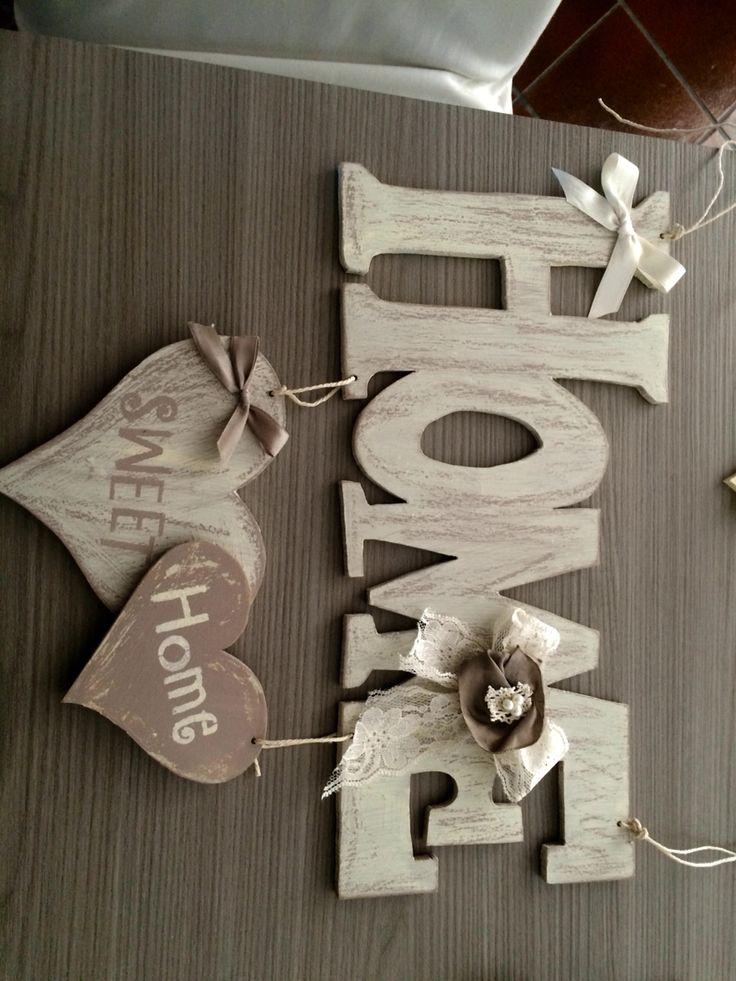 Scritta decorativa in legno