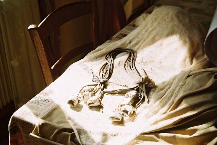 La Collana con Cascata di Boccioli www.lafioraiapazza.com
