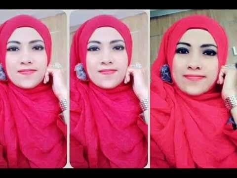 mojang berkostum merah