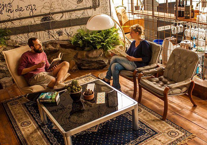 De tijd dat rotterdammers zich verontschuldigden voor hun stad is voorbij. We tippen de leukste terrassen. http://www.nomadandvillager.com/bestsellers/rotterdamse-terrassen-de-vijf-tips-van/ Aloha Bar Rotterdam Tropicana