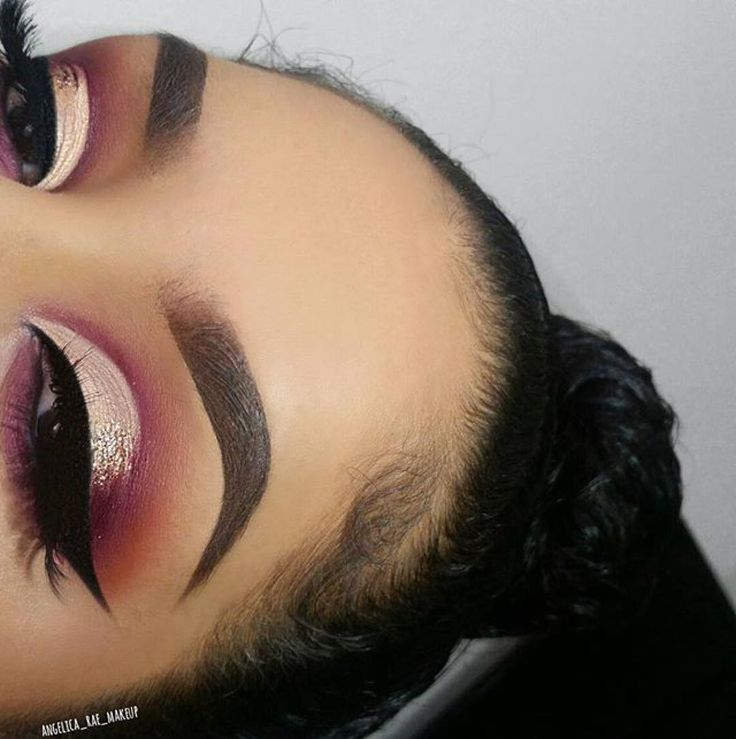 "Nubian 2 palette used @angelica_rae_makeup ・・・ This maroon shadow is everything right now!   Makeup Products  Link in BIO  . EYES:  @juviasplace Nubian 2 Palette in ""Jezebel"" and ""Zuri"