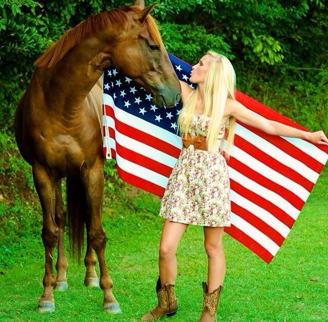 Senior picture with horse and American flag