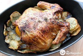 Cómo cocinar un pollo de corral entero al horno con sus patatas panaderas. Una receta deliciosa, económica, fácil y muy sabrosa. Preparación paso a paso y fotos.