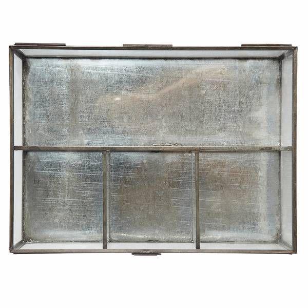 25 beste idee n over sieraden vitrines op pinterest. Black Bedroom Furniture Sets. Home Design Ideas