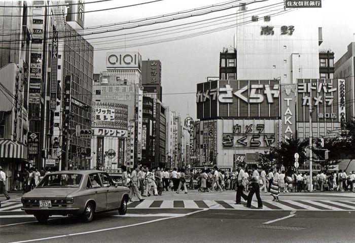 1977年に撮影された新宿東口の写真(海外の反応) : 海外のお前ら 海外 ...