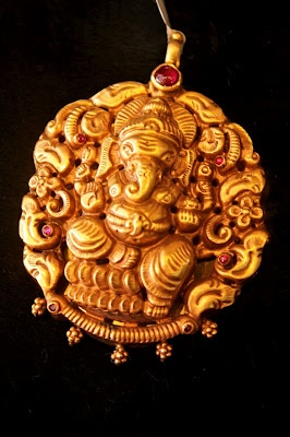 Indian Jewellery and Clothing: Antique temple jewellery with ganeshpendants..