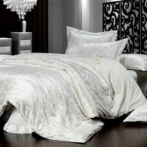 White Luxury Bedroom: 1000+ Ideas About Silver Bedding Sets On Pinterest