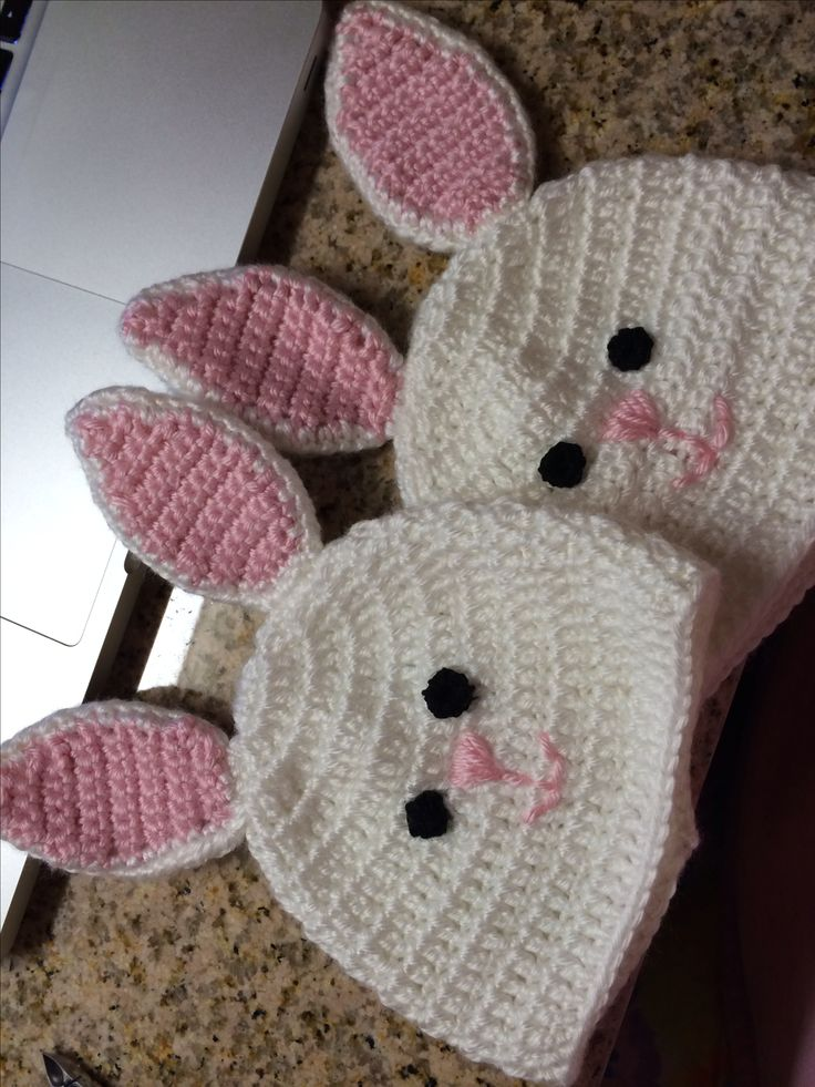 Infant bunny hats. Free Pattern http://www.repeatcrafterme.com/2013/01/crochet-bunny-hat-pattern.html