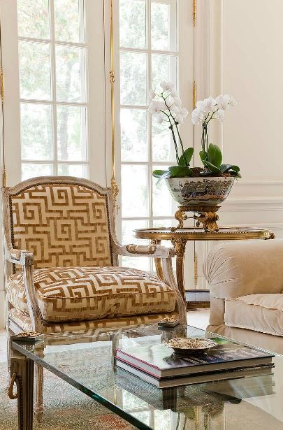 A bold pattern in complementary colors that match the more for Decor vignette