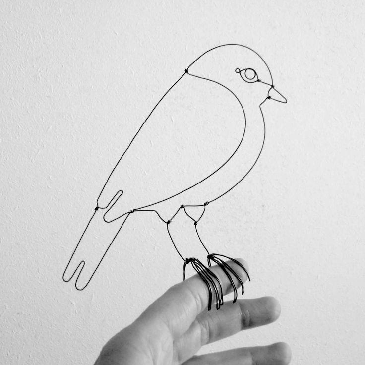 """Oiseau en fil de fer / Collection """"Faune en fil"""" Emilie Bredel ©"""