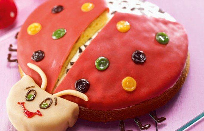 Süßer Glückskäfer - Kindergeburtstag: 10 süße & herzhafte Rezepte - Zutaten für ca. 12 Portionen: Für den All-in-Teig: - 150 g Weizenmehl - 3 gestr. TL Backpulver - 125 g Zucker - 1 Pck. Dr. Oetker Finesse Geriebene Zitronenschale...