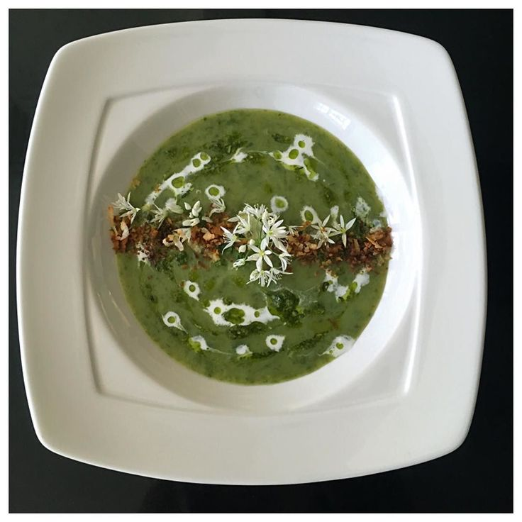 Wild Garlic Leaves and Potato Soup drizzled with wild garlic leaves pesto coconut cream topped with roasted fresh grated coconut garnished with wild garlic flowers. . This dish is simply sensational and I'll be sharing the recipe soon. Bon appétit siyempre!  Quality ingredients provided by Lootah Premium Foods: -Wild Garlic Leaves and flowers from Provence Thank you @lootahpremiumfoods @tonylootah #soup #hearty #potatoes #wildgarlic #leaves #coconutcream #rustic #forest #nature #asia…