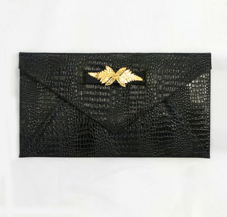 The perfect clutch #camoglicollection #artelier_mx #gold #clutch