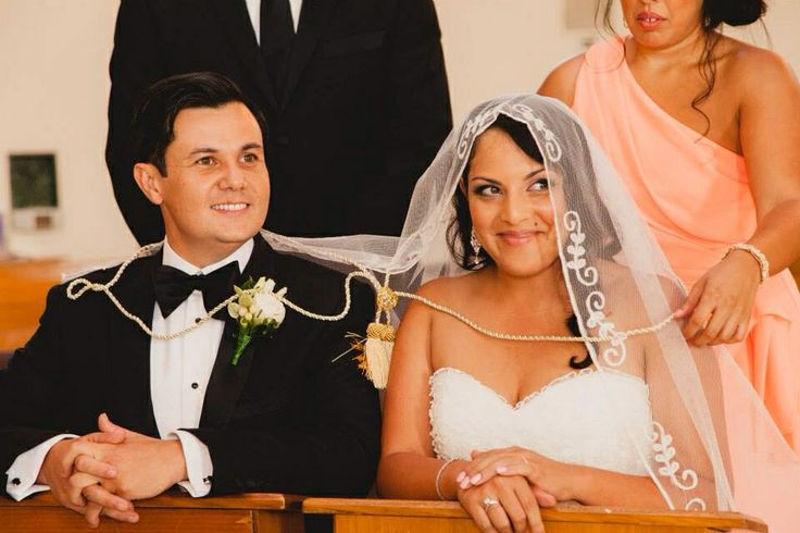 Filipino Wedding Traditions Veil And Cord Ceremony