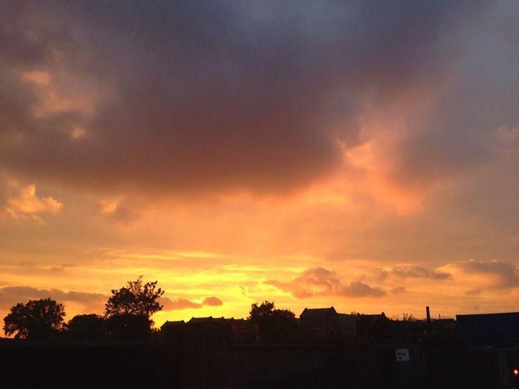 A glowing orange West Hampstead sunset from @RicksterLondon