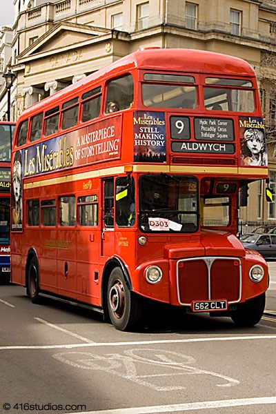 Old Routemaster Bus Central London - bring them back!!