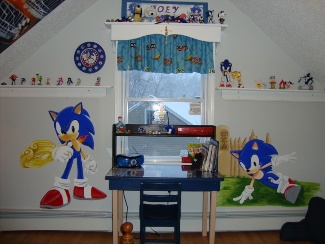 Sonic the Hedgehog mural my lil bro would love this. Sonic Bedroom   Sonic The Hedgehog Themed Hotel Room  Alton Towers