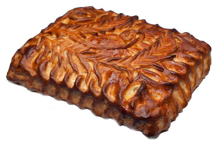 Закрытый пирог с творогом и изюмом фото