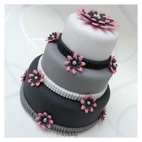 wit grijs zwart - deze taart zou moeten lukken.