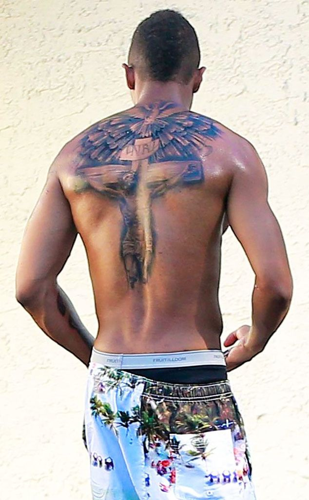 Nick Cannon Covers Up His Mariah Carey Tattoo, Replaces ...
