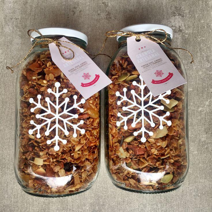 Granola Artesanal Edición Especial de Navidad. En Frasco x 500 gramos. 4 sabores irresistibles. Compra en www.homebaked.com.co