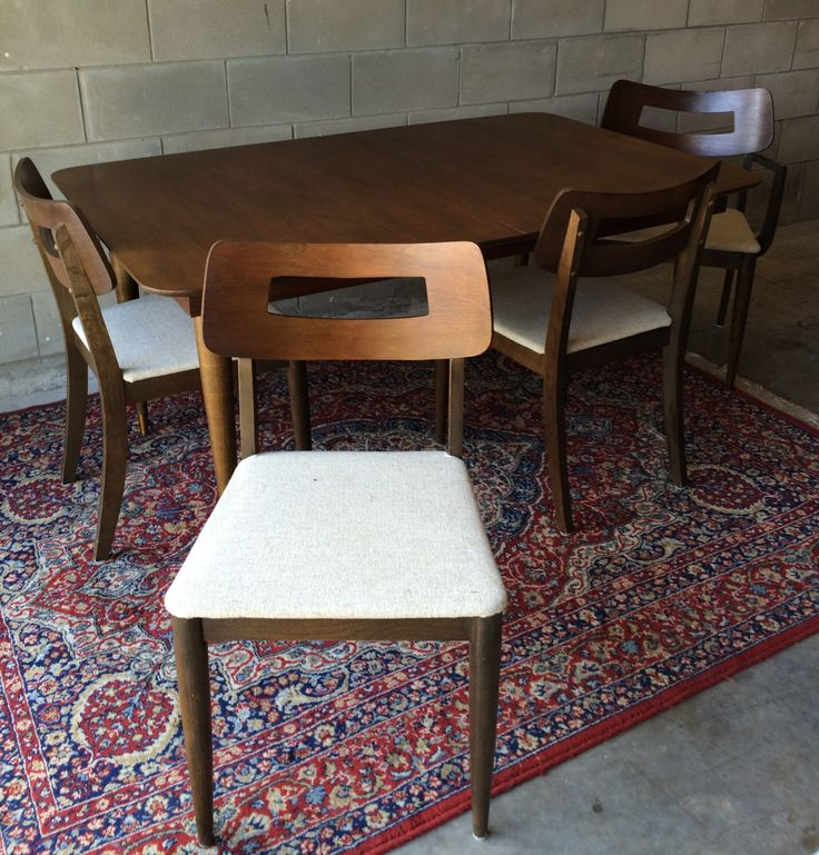 Mid Century Modern Dining Set: Table and Chairs. by HautelAudubon on Etsy https://www.etsy.com/listing/457454654/mid-century-modern-dining-set-table-and
