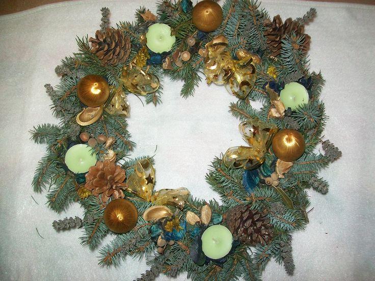 corona in toni verde azzurro oro, con lavanda