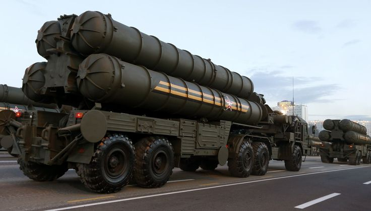 Russian S-400 air defence mobile missile launching systems take part in a military parade during celebrations marking Independence Day in Minsk July 3, 2014.
