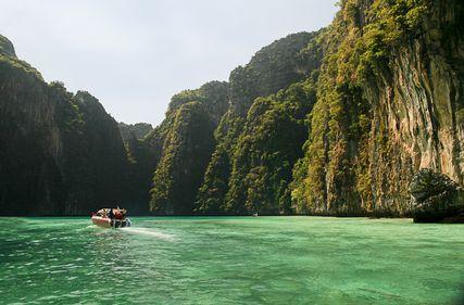 Let's explore amazing #Phuket!