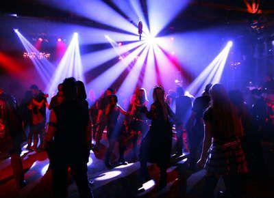 """Reclutava ragazze per """"lavorare"""" nei night club: a processo dipendenti e titolari di locali notturni"""