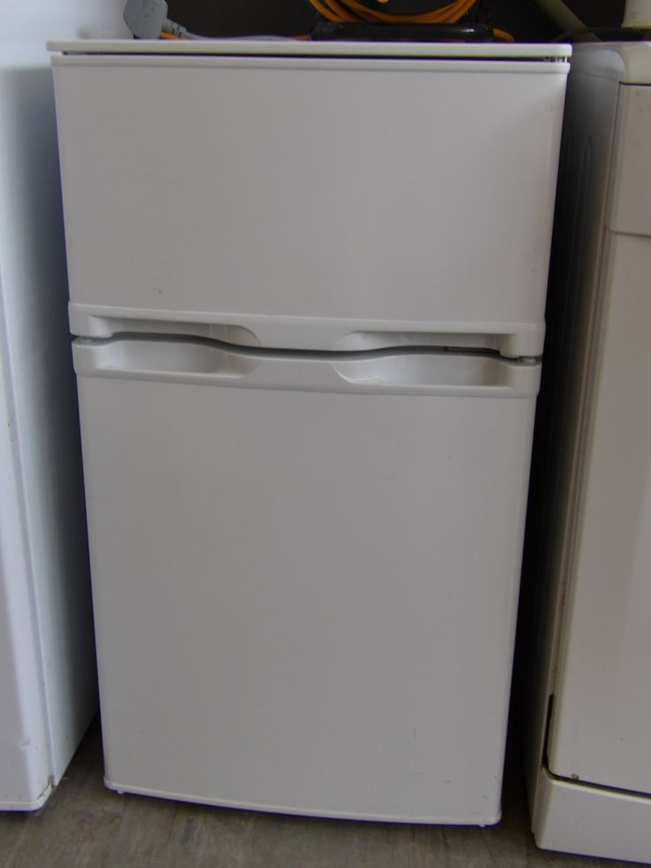Under Counter Fridge Freezer In The Recycled goods Factory H-86cm W47.5cm D50cm Good Condition £45 --- (PC066)