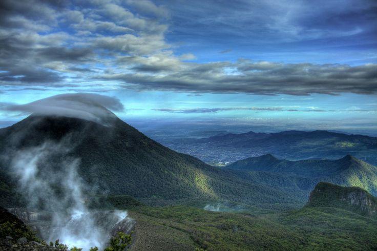 besarnya Gunung Gede Pangrango
