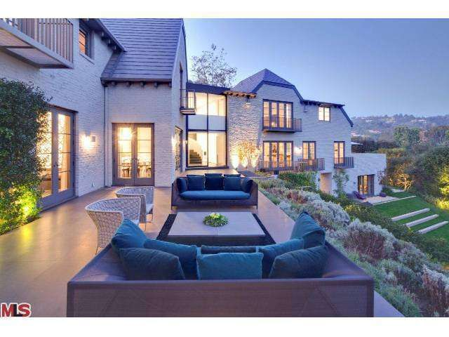 85 best beverly hills celebrity real estate images on for Beverly hill mansions for sale