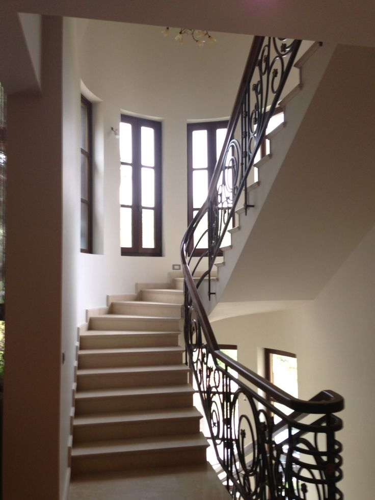 Internal view - Stairs windows